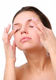 Dark-Eye-Circles-Remedies-----Natural-and-Home-Dark-Eye-Circles-Remedy-3-----Eye-Massage
