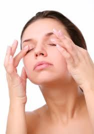 Dark-Eye-Circles-Remedies-----Natural-and-Home-Dark-Eye-Circles-Remedy-3-----Eye-Massage